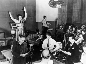 Orson Welles. Octubre, 1938. Estudios CBS. La Guerra de los Mundos