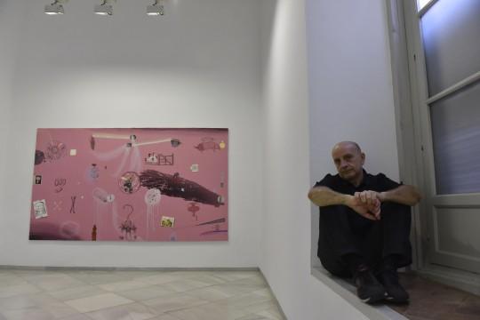 Entrevista con el pintor Curro González y reportaje de la exposición que abre la temporada en la sala para doble del domingo