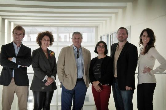 De izquierda a derecha, Jaime Parga, Pilar y Jesús de Sobrino, Marta Fernández-Portillo, Carlos Cabezuelo y Ruth Amaya. Al otro lado de la cámara, Cata Zambrano