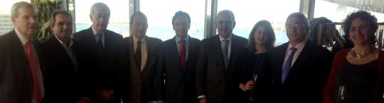 Miembros del comité ejecutivo con José Luis Ferrer y Cristina, junto a Javier Sánchez Rojas