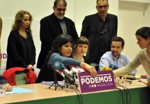 Rueda de prensa de Podemos.Teresa Rodríguez con todos los cabeza de lista provinciales
