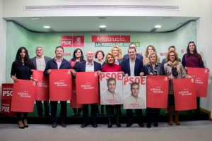 151203 Foto PSOE pegada carteles grupo