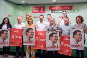 160609 Foto PSOE pegada de carteles 2