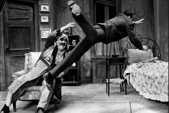 Eli Wallach y Zero Mostel, en 'Rinoceronte' de Ionesco (1961).