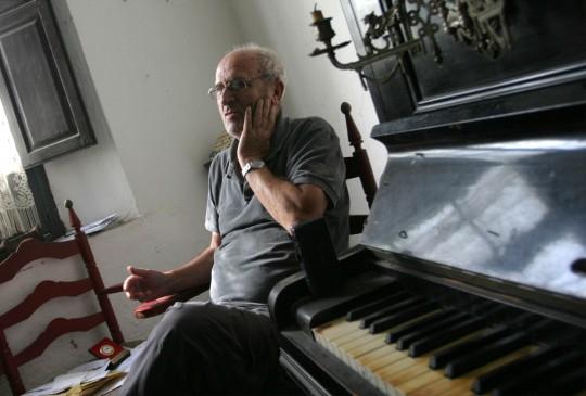 Miguel Romero Esteo, al piano.
