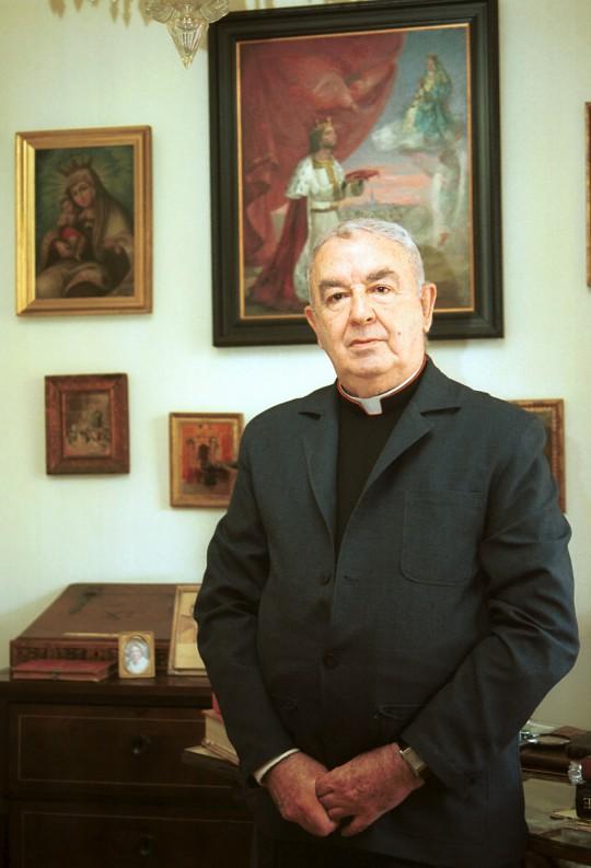 13-6-2002 JOSE LUIS MONTERO CAMILO OLIVARES