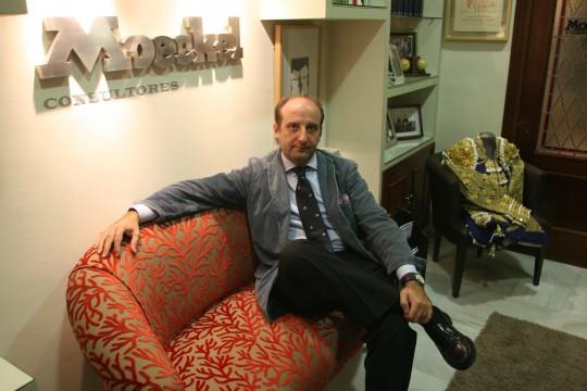 sevilla 23 noviembre 07. entrevista a joaquin moeckel. foto> carlos marquez.