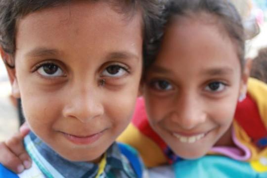 Mohamed y Salma tras salir del colegio del CETI en Melilla. / S.R