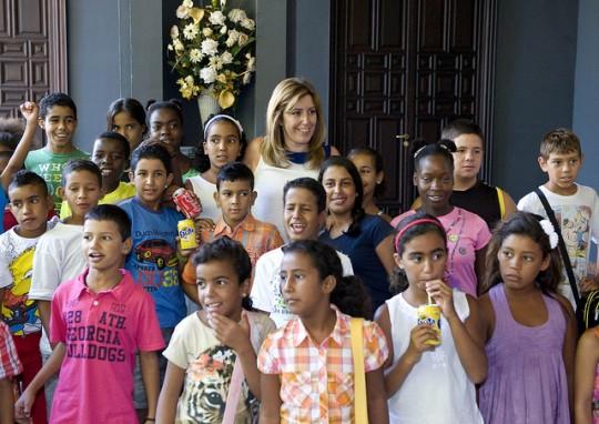 Susana Diéz junto a los pequeñosen San Telmo