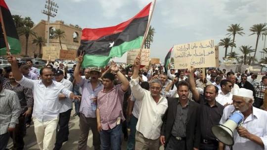 protesta-milicias-Tripoli-muertos-heridos_EDIIMA20131116_0049_4