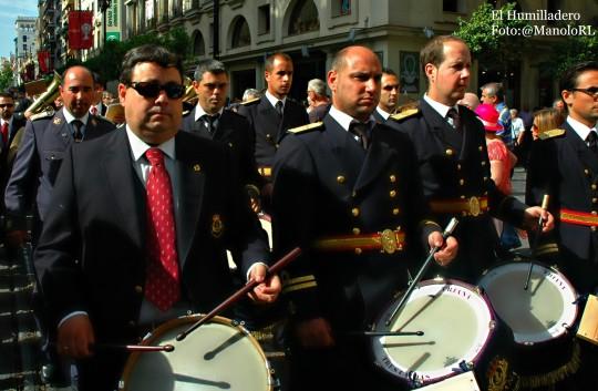 Cuerpo de tambores acompañando a la Sinfónica Municipal en la Procesión del Corpus .