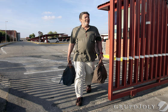 Javier Guerrero, a su salida de la cárcel de Sevilla-I, el 5 de junio de 2013