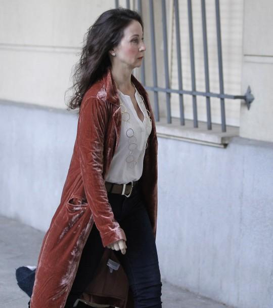 La juez Mercedes Alaya llega a la Audiencia de Sevilla el 13 de diciembre, primer día del juicio de los ERE.