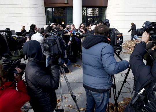 Expectación mediática al inicio del juicio contra La manada.