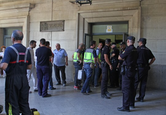 Foto recurso de incendio en los Juzgados de Sevilla.