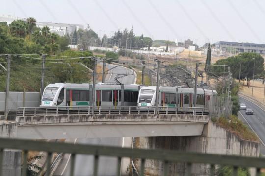 Fotos exteriores del metro por la zona de San Juan Alto.