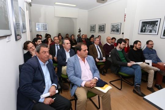 Sede de la Asociación de la Prensa. Debate público sobre el Metro de Sevilla. Asisten Javier Millán, Susana Serrano y Daniel González Rojas. Belén Vargas.