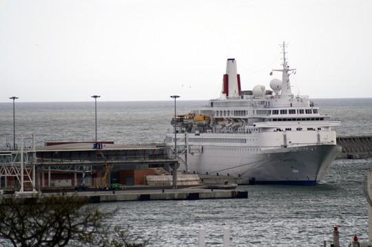Boudicca atracado ayer en el muelle Sur de la Estación Marítima de Levante