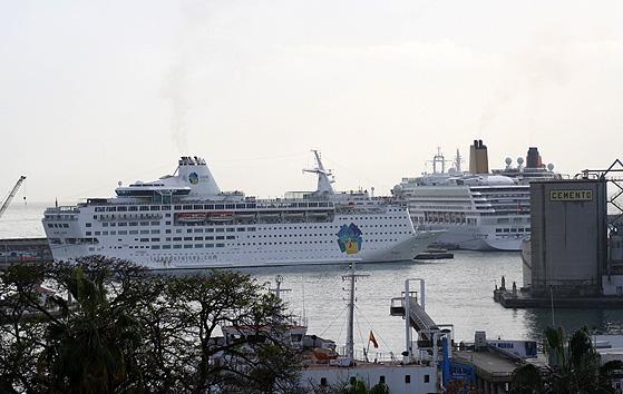 Island Escape-Aurora-Queen Victoria 24-XII-094 blog