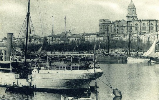 Vapor de la compañía Vinuesa en Málaga