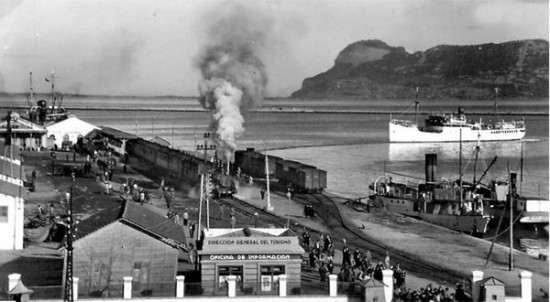Intensa actividad en el puerto algecireño