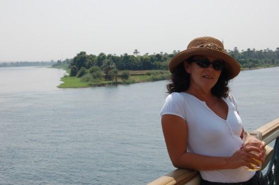 Penélope, y el anchuroso Nilo a su espalda