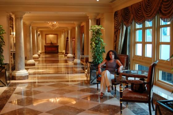 Pasillos del hotel Four Seasons en El Cairo