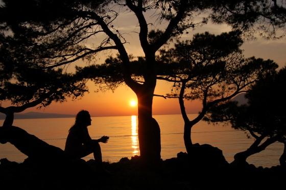 Frente al atardecer en la Riviera de Makarska