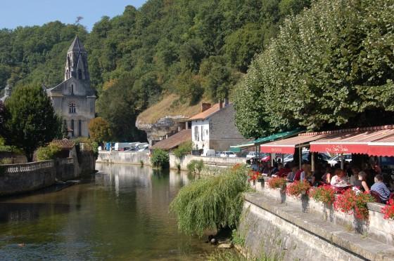 Excelentes restaurantes junto al río