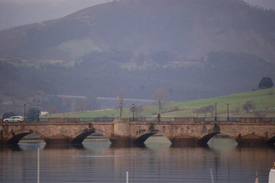 El puente de la Maza, por el que se accede a San Vicente.