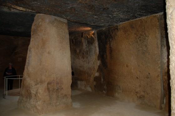 La gran cámara de la cueva de Menga