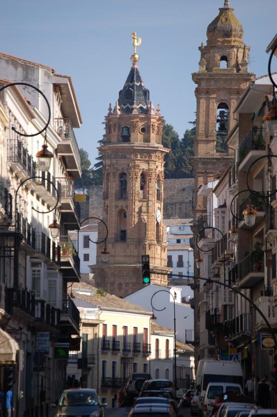 La avenida del Infante don Fernando de Antequera.