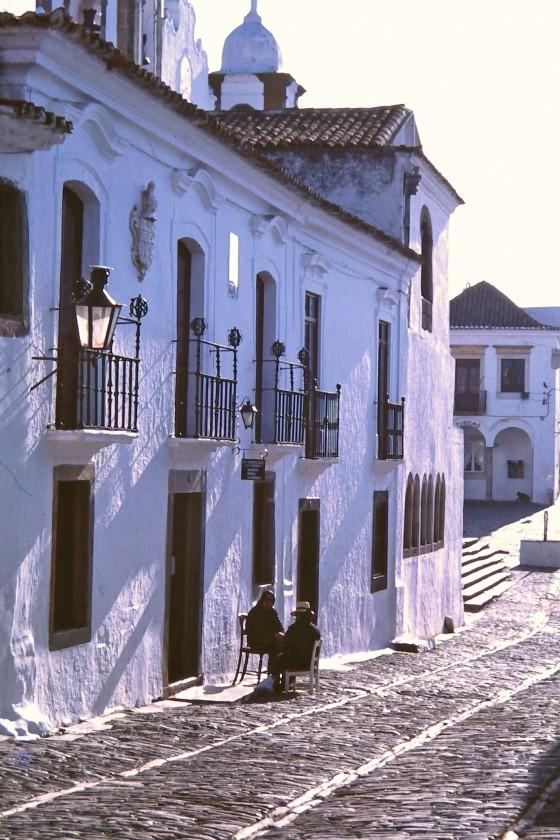 Calle principal en Monsaraz.
