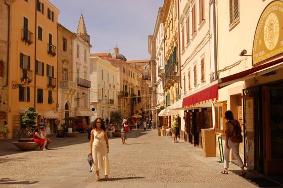 Doradas calles y plazas en el centro histórico.