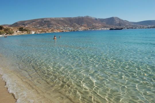 La playa de Martselo, en Paros.