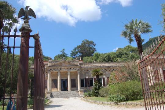 La entrada a la villa napoleónica en Elba.