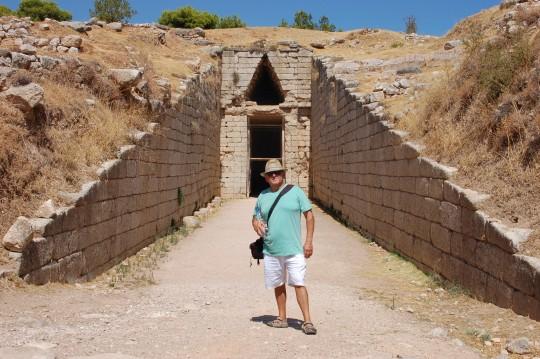 Tumbas monumentales en la ciudad de Agamenón.