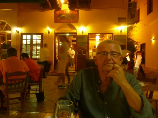 La cena había sido buena de verdad, en la taberna Savouras.