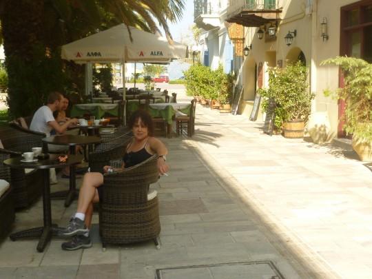 Y el desayuno ante el hotel Latini.