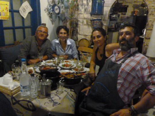 Con Marga, Irini y el jovial Vasili.