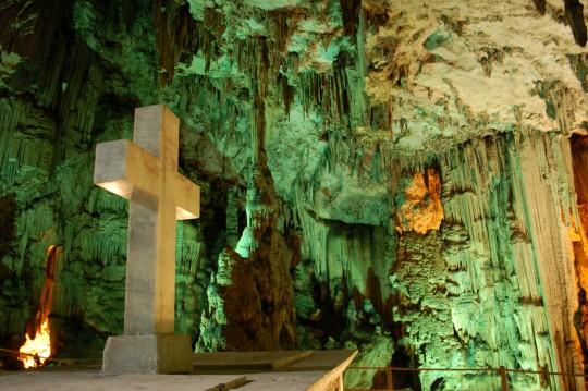 Interior de la cueva de Melidoni.