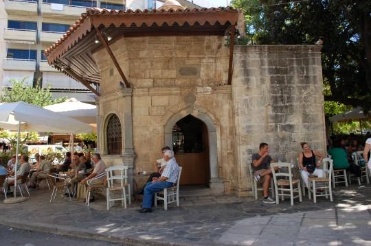 El café junto a la fuente Bembo en Heraklion, Creta