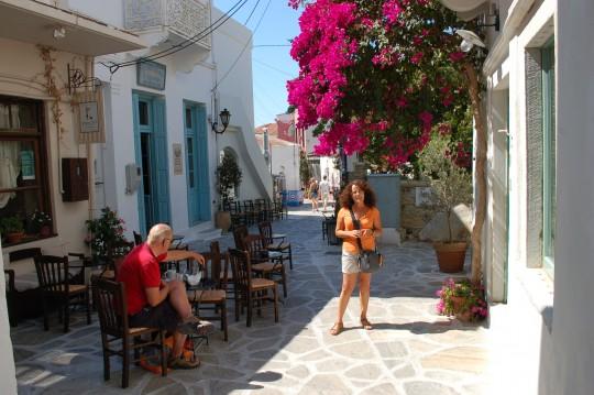 En una calle del pequeño Halki.