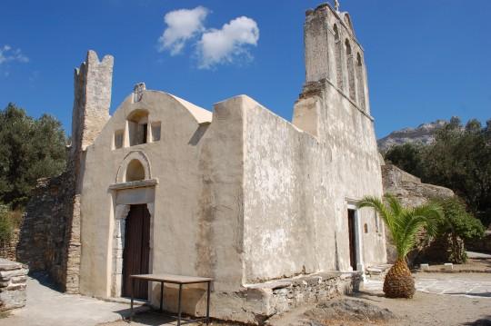 Diferentes ángulos de la antiquísima y extraña iglesia de la Panagia.