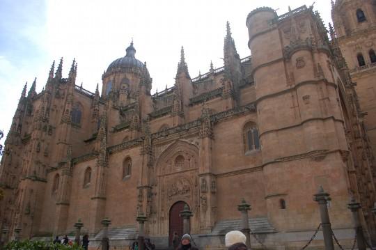 La fachada oriental de la Catedral Nueva.