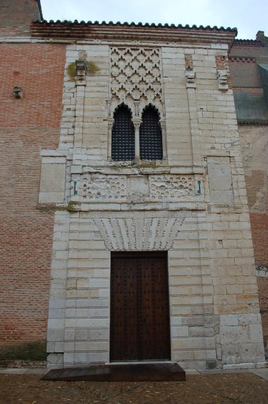 Resto de una fachada mudéjar en convento de Santa Clara.