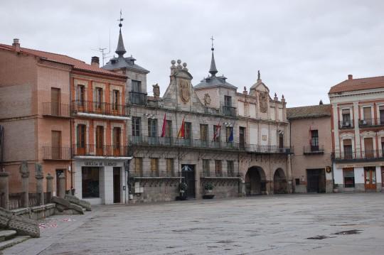 Rincón de la enorme Plaza Mayor de Medina del Campo.