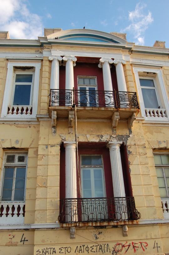 Una fachada neoclásica de Heraklion.