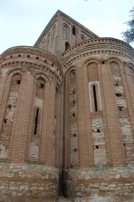 Vista de los ábsides de la ermita de La Lugareja.