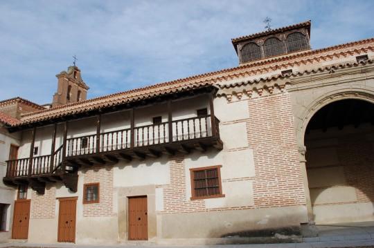 Fachada de la casa natal de Isabel la Católica.